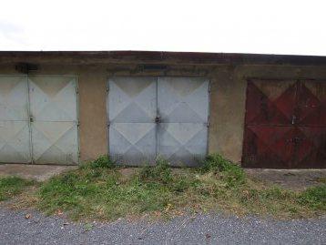 garáž 1.JPG